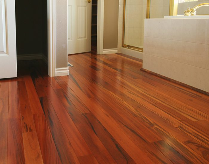 hardwood-flooring-cleaning
